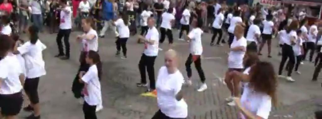 los_copihues_flashmob_2012